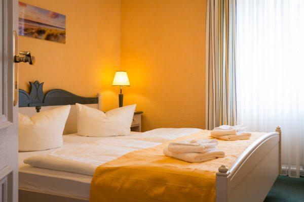 Appartement auf der Insel Rügen im Ferienhaus Hanseatic in Baabe – Schlafzimmer der Wohnung