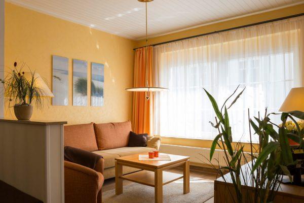 Appartement auf der Insel Rügen in Baabe - Wohnzimmer im Ferienhaus Kogge