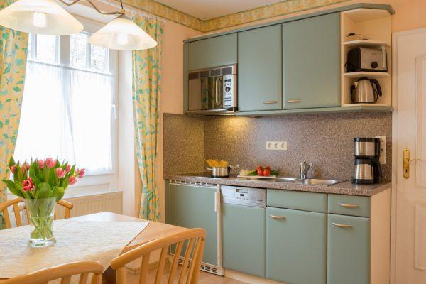 Insel Rügen Appartement – voll ausgestattete Küche in Baabe im Ferienhaus Hanseatic
