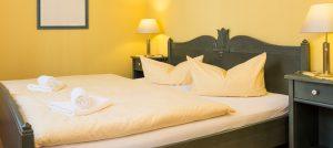 Schlafzimmer der Rügen-Ferienwohnung im Apartmenthaus Hanseatic im Ostseebad Baabe auf Deutschlands größter Insel