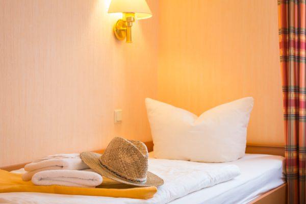 Rügen-Fewo im Ostseebad Baabe – Schlafzimmer im Apartmenthaus Hanseatic