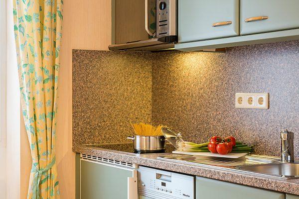 Küche vom Appartement im Ostseebad Baabe auf der Insel Rügen in der Villa Hanseatic