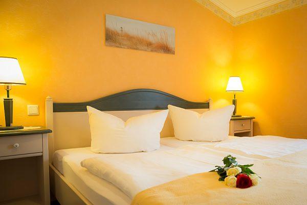 Schlafzimmer der Ferienwohnung im Ostseebad Baabe auf der Insel Rügen vom Apartmenthaus Hanseatic